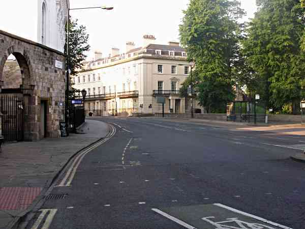 Looking along St Leonard's Place towards Blake Street.